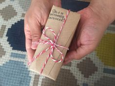 Diy, Paper Gifts, Kraft Paper, Gift Wrap, Wraps, Bricolage, Do It Yourself, Homemade, Diys