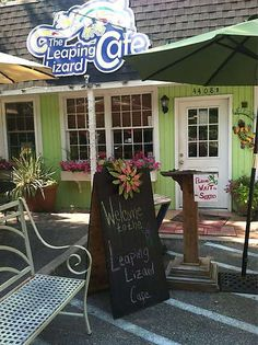 Leaping Lizard Cafe, Virginia Beach, VA.  Everyone loves the Leaping Lizard!