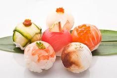 ***¿Cómo hacer Bombones Salados?*** Aprende algunas recetas para preparar bombones con salmón, fiambres o quesos, una técnica simple y deliciosa de crear canapés elegantes......SIGUE LEYENDO EN...... http://comohacerpara.com/hacer-bombones-salados_12895c.html