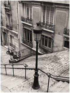 Montmartre in Paris Paris 3, Old Paris, Paris Street, Montmartre Paris, Paris France, Beautiful Streets, Beautiful Places, Oh The Places You'll Go, Great Places