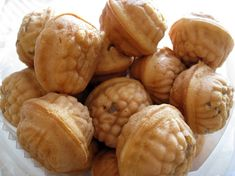 Hodugwaja (Korean Waltnut Cake) -Required for any long bus trip! These delicious puffs are filled with red bean paste and walnuts. YUM!