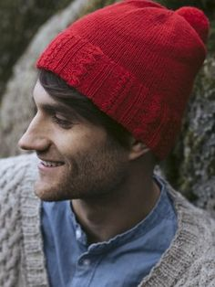 Berry picking is a national pastime in Finland, and in the autumn, thousands of Finns pack their bags and head for the woods. Unisex hat is knitted top-down. 4 Ply Yarn, Wool Yarn, Crochet Pillow, Crochet Hooks, Knitting Designs, Knitting Patterns, Intarsia Knitting, Moss Stitch, Stockinette