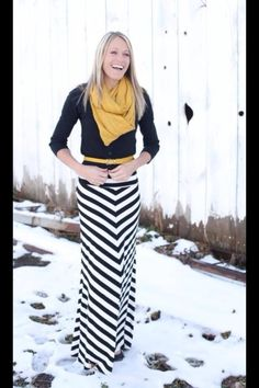 Sweater over a maxi dress + scarf. idea to winterize some summer outfits.I have a maxi dress in this print. Fashion Mode, Look Fashion, Womens Fashion, Fashion Ideas, Fashion 2015, Fall Fashion, Fashion Design, Fashion Tips, Mode Chic
