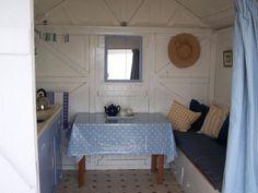 beach hut-love that