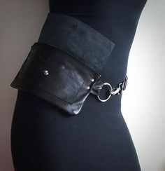 Are you tired of carrying your luggage to the grocery store? Are you tired of leaning from carrying bricks? In need of a minimalist purse or slim, modern purs Black Fanny Pack, Leather Fanny Pack, Leather Belt Bag, Leather Purses, Black Leather, Soft Leather, Hip Purse, Waist Purse, Hip Bag