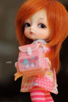 Hazel again!!! Dolls Dolls, Thimble, Disney Princess, Sewing, Disney Characters, House, Baby Dolls, Craft, Dressmaking