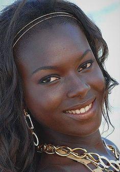 African Beauties by Nationality (Black is Beautiful) Beautiful Dark Skinned Women, Beautiful Black Girl, Beautiful Eyes, Most Beautiful Women, Beautiful Pictures, African Girl, African Beauty, African Women, Dark Skin Beauty