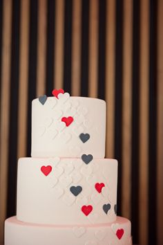 February Wedding in NYC ~ Cake by http://ninecakes.com ~   Photography by carlateneyck.com