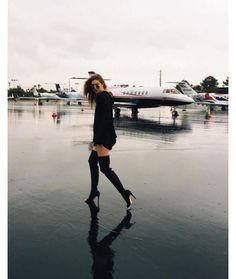 Gigi Hadid en route pour Las Vegas cuissardes street look http://www.vogue.fr/mode/mannequins/diaporama/la-semaine-des-tops-sur-instagram-avril-2016/33284#gigi-hadid-en-route-pour-las-vegas