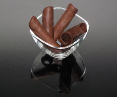Puros de chocolate. Chocolate cigars.