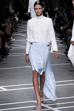 Givenchy Spring 2013 Ready-to-Wear Collection Photos - Vogue Fashion Week, Love Fashion, Runway Fashion, Fashion Show, Womens Fashion, Fashion Design, Fashion Trends, Fashion Ideas, Paris Fashion