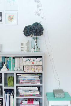 Maya: Elefanter kan fly med ballonger Sweet Home, Decor, Inspiration, Bookcase, Home Decor
