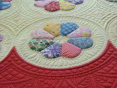 Stunning interlocking quilting - circles and cross hatching. Deborah Poole