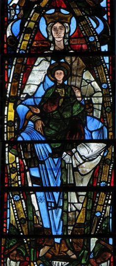 Abbaye de la Trinité, Vendôme. Vitrail roman de la Vierge à  l'Enfant. Un vitrail roman, vers 1130, si exceptionnel qu'il fut exposé au Louvre.