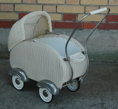 Klassiker alter Korbpuppenwagen sehr schön Puppenwagen Kinderwagen | eBay