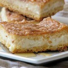 Sopapilla Cheesecake Pie - This sounds delicious.  Easy to make cinnamon and vanilla cheesecake, perfect for potlucks.