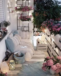 Creating a Home Oasis – Top 10 Small Balcony Ideas - - Not everyone can or wants to live in a house with a garden but everybody needs a retreat from the hustle and bustle of city life. Home Furniture, Outdoor Furniture Sets, Outdoor Decor, Furniture Ideas, Furniture Storage, Lounge Furniture, Lounge Decor, Bedroom Furniture, Outdoor Play