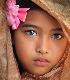 Beautiful precious eyes, beautiful children ve cool eyes.