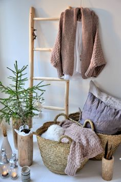 monday TO sunday HOME: KNITTED