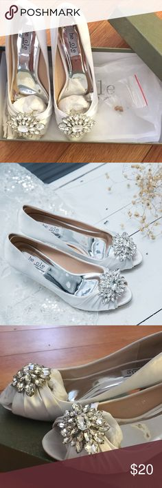 Womens Low Heel Wedding Shoes Dress Pump Size 7 Womens Low Heel Wedding Shoes Dress Pump Size 7. True to size. Worn once for my wedding. So comfortable and pretty 😊 10% bundle discount (2 or more items) and secret gift for all orders 🎁 Feel free to ask any questions! shesole Shoes Heels