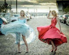 Windy Skirts, Full Skirts, Twirl Skirt, Dress Skirt, Silk Skirt, Flexible Girls, Pantyhose Outfits, Beautiful Girl Photo, Hoodie Dress
