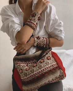 Handmade Clothes, Handmade Items, Handmade Gifts, Folk Embroidery, Embroidered Clothes, Linen Bag, Beautiful Love, Ethical Fashion, Black Cotton