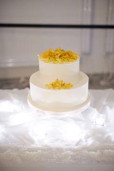 {Sweet little yellow cake