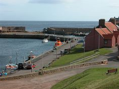 Information about and images of Dunbar in East Lothian on Undiscovered Scotland. Edinburgh, Castles, Birth, Places, Travel, Viajes, Chateaus, Trips, Palace