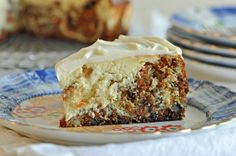 Carrot Cake Cheese Cake and the Cheesecake Factory. I'm a sucker for all things carrot cake. The Cheesecake Factory, Köstliche Desserts, Delicious Desserts, Dessert Recipes, Food Cakes, Cupcake Cakes, Cupcakes, Carrot Cake Cheesecake, Cheesecake Recipes