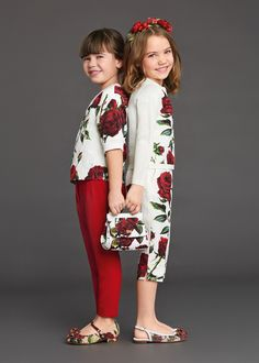 ALALOSHA: VOGUE ENFANTS: Discover Dolce&Gabbana's Fall magnificent rose print, the perfect look to take you from summer to fall *E on the right-L on the left Little Girl Fashion, Little Girl Dresses, Fashion Kids, Girls Dresses, Dolce Gabbana 2016, Dolce And Gabbana Kids, Latest Fashion News, Kids Outfits, Cute Outfits