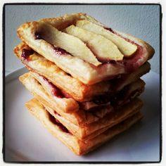 Sfogliatine alle mele #sweet #sugar #likealways #food #foodporn #break #thè #dinner #breakfast #roncocalino #assortment #lunch #good