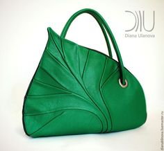 Diana Ulanova Inspirational Drop Leaf Hand Bags Looks Unique Handbags, Unique Bags, Beautiful Handbags, Beautiful Bags, Diy Bags Purses, Purses And Handbags, Sacs Design, Diy Sac, Green Purse