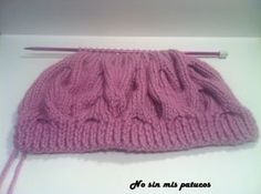 Gorro con ondas. Tejido con dos agujas con la técnica de cable. Lana, Knitted Hats, Cable, Beanie, Knitting, Fashion, Knitting Hats, Sweater Vests, Crochet Stitches