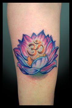 OM tattoo | Lótus e OM – Perfeição e Sensibilidade | Tatuagens ABC
