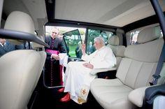 Papst Franziskus und sein Elektroauto - SPIEGEL ONLINE - Wirtschaft