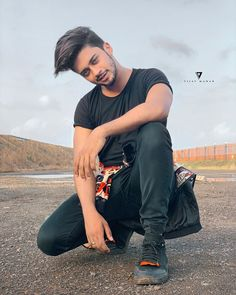 Image may contain: one or more people, beard and outdoor Creative Photography Poses, You Are My Crush, Musically Star, Photoshoot Pose Boy, Cute Boy Photo, Chocolate Boys, Dear Crush, Cute Stars, Social Media Stars