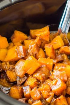 Slow cooker cinnamon sugar butternut squash. Get this and more amazing slow cooker recipes to make this Thanksgiving. #thanksgivingrecipes #butternutsquash #thanksgiving #thanksgivingsides #slowcookermeals #slowcookerrecipes #crockpot #slowcooker #vegetarian