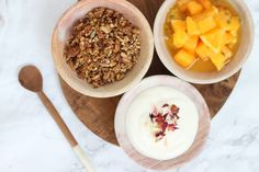 This rooibos apricot & maple granola is a little tribute to the wonderful flavours of South Africa and is a healthy and delicious way to start the day! Maple Granola Recipe, Healthy Breakfast Recipes, Fruit, Blog, Blogging