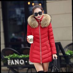 46.86$  Buy now - http://alihag.worldwells.pw/go.php?t=32701876938 - Real Natural Raccon fur 2016 New Women's Winter Jacket Down cotton-padded jacket outerwear parkas for women winter female jacket