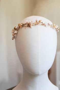Champagne Chic | Gold and champagne bridal headpiece