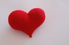 crochet hearts-and some other really cool free patterns here too!