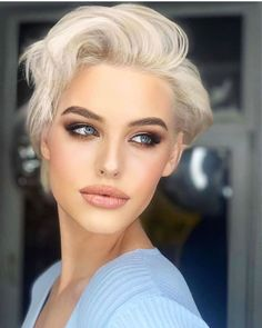 Easy Hairstyles For Thick Hair, Pixie Haircut For Thick Hair, Longer Pixie Haircut, Blonde Pixie Cuts, Long Wavy Hair, Haircut Short, Long Pixie Cut Thick Hair, Super Short Hairstyles, Cute Pixie Haircuts