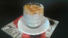 Chiapuding mandulatejjel és őszibarackkal Glass Of Milk, Pudding, Food, Custard Pudding, Essen, Puddings, Meals, Yemek, Avocado Pudding