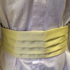 1970s Men's Pale Yellow Satin Cummerbund
