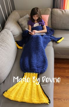 We found her! Make this Finding Dory inspired blanket by MadeByDevrie with Lion Brand Hometown USA! Get the knit pattern now.