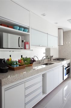 Cozinha Funcional e Clean! Kitchen Decor, Kitchen Inspirations, Home Interior Design, Small Kitchen, Kitchen Interior, Home Kitchens, Kitchen Remodel, Home N Decor, Home Decor