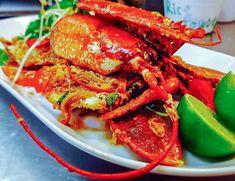 Choose your own lobster from the aquarium! Great to share 🇫🇷⚓🌊 . Urban Kitchen, Shrimp, Seafood, Aquarium, Meat, Sea Food, Goldfish Bowl, Aquarium Fish Tank, Aquarius