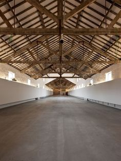 The architectural Project – which comes a hundred years after the Real Vinícola was built, between 1897 and 1901 – is grounded on. Industrial Architecture, Contemporary Architecture, Warehouse Design, Property Buyers, Barn Renovation, Roof Trusses, Urban Loft, Urban Industrial, House Roof