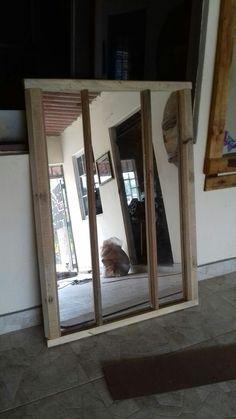 Espejo triple con marco reciclado