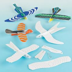 Buy Colour-in Bird Gliders at Baker Ross. Is it a bird or is it a plane? Easy to assemble, paper covered polystyrene bird glider kits for colouring in with fibre pens. Sensory Art, Bird Party, Birds Of Prey, Paper Toys, Paper Cover, 7th Birthday, Gliders, Diy Paper, Crafts For Kids